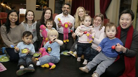Cllr Muhammed Butt visits The Queensbury Pub and Busy Rascals playgroup.
