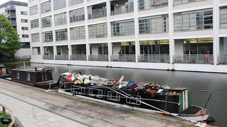 A man escaped from a narrow boat which caught fire on Regent's Canal this morning (Monday)