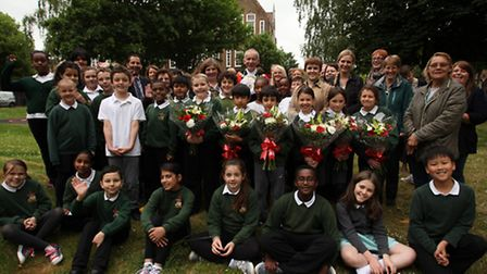 Mayor of Islington Barry Edwards joins Rotherfield Primary schoolchildren at the launch of Greenspac