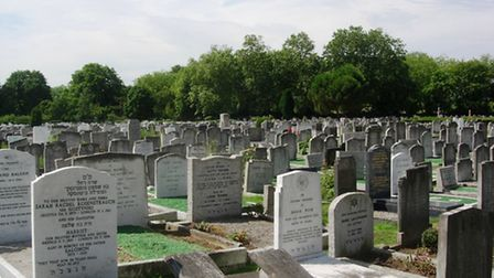 Liberal Jewish Synagogue cemetery is commemorating its centenary