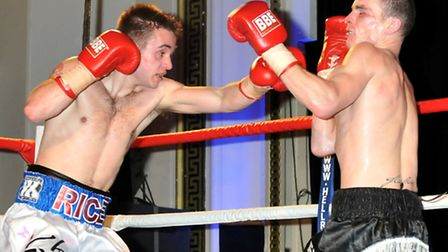Charlie Rice (white/blue) shorts defeats Charlie Haines