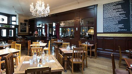 The dining foom at the North London Tavern