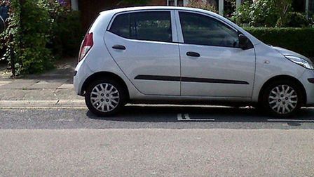 Residents claim illegal parking is blighting Chatsworth Road