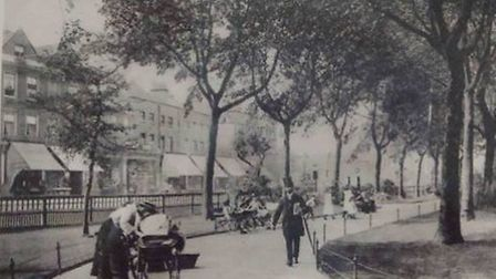 Western part of Newington Green circa 1900. The green was fenced and landscaped during the 1870s.
