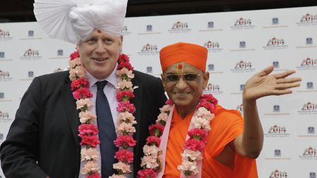 Boris Johnson was presented with a traditional turban in keeping with an ancient Indian traditional