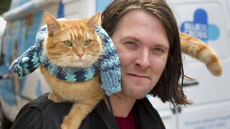 Big Issue seller James Bowen and his cat Bob, who have been a familiar sight together at Angel Tube