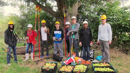 Young John Muir Award Members (Pic credit: Barn Hill Conservation Group)