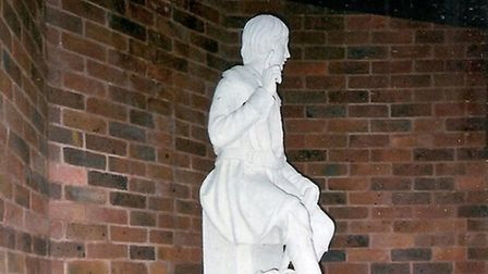 A campaign has been launched to reinstate the statue of Dick Whittington in Archway