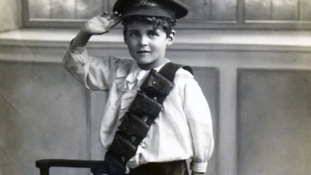 WW1 London boy taken in 1916, possibly from Kilburn