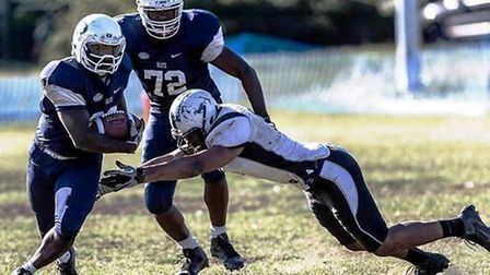 London Blitz running back Temi Oduyemi (with ball) in action against London Warriors