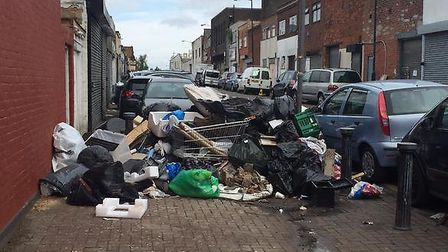 A pavement in Ashford Road, Cricklewood, has been made a dumping ground (Pic credit: Twitter@permabu