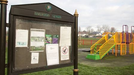 Women have reported being approached by a man who tries to kiss them on Tiverton Green, Queen's Park