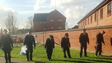 Police conducting a weapon search in the Stonebridge ward (Pic: Twitter@MPSBrent)