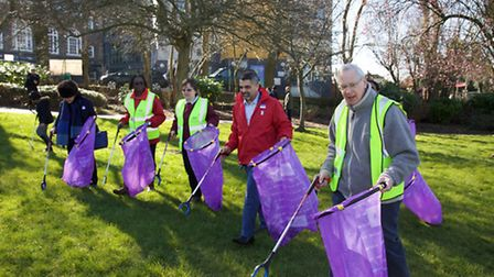 Clean for the Queen with The Duke of Gloucester who joined Park Lane Primary School pupils to pick l
