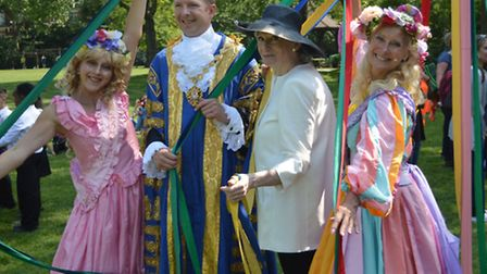 Left to right: A dancer, the Lord Mayor, Cllr Jan Prendergast and Donna Maria