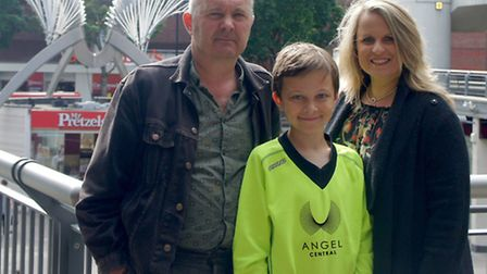 Angel Central are the new sponsors of Isledon Wolves FC