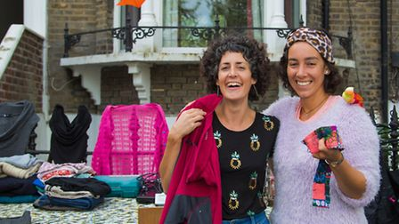 More than 2,500 people joined in the Canonbury jumble trail. (Picture: Ronya Galka).