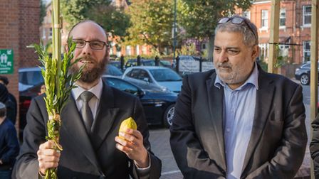 Rabbi Baruch Levin and Sayed Yousif Al-Khoei OBE hold Jewish Sukkot festival in Brondesbury Park's M