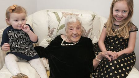 Doris Smart celebrates her 100th birthday with great-great-granddaughters Violet, 18 months, and Oli
