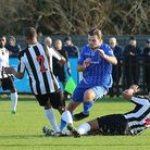 Danny Green (middle) in action for Wealdstone. (Pic: ALAN PALMER)