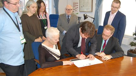 Cllr Andy Hull add his name to the TUC's 'Dying to Work' charter