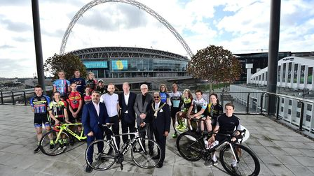 The launch of the Tour Series 2017 with representatives of the men's and women's teams flanking dign