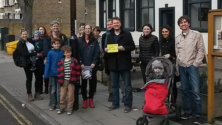 Tufnell Park Parents after installing a diffusion tube in Tufnell Park Road