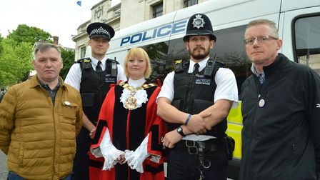 George Kinsella, Insp Steven Murfin, Mayor of Islington Cllr Kat Fletcher, PC Kitchingham and Pat Gr