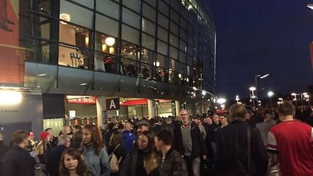The situation outside the Emirates at 8pm, Credit @MikaGooner