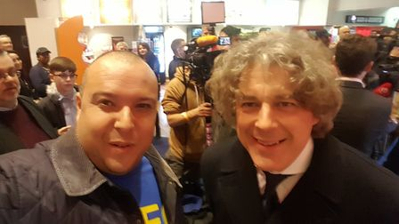 Arsenal correspondent Layth Yousif with Alan Davies at the premier of 89 The Film