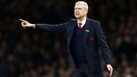 Arsene Wenger issues instructions (pic Adam Davy/PA)