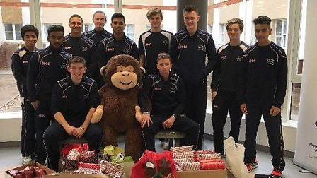 Middlesex cricketers held a catchathon to raise money for hospital patients
