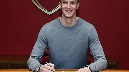 Matt Macey has signed a new deal with Arsenal. Credit Arsenal FC