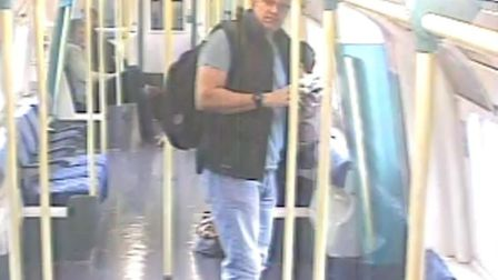 Police which to speak to this man in connection with a jewellery theft (Picture: British Transport P