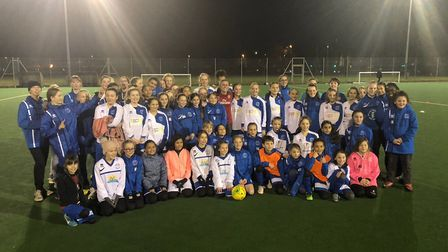 Arsenal superstar Heather O'Reilly inspries the Hitchin Belles