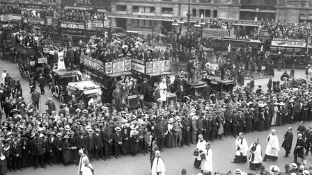 The funeral procession of Emily Wilding Davison, after she was killed by throwing herself under King