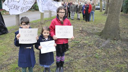 'Fix our rotten walkways': Park View Estate tenants in Highbury protest against years of damp. Pictu