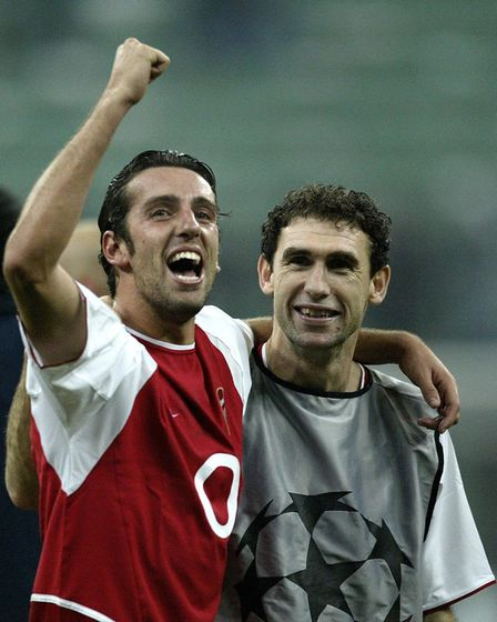 Edu (left) celebrates with Martin Keown after Arsenal's 5-1 win against Inter Milan (pic Nick Potts/
