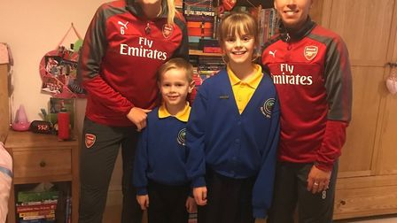Arsenal's Leah Williamson and Jordan Nobbs surprised two young fans as part of the Make Dreams Goals
