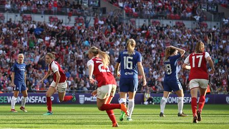 Arsenal Women's Vivianne Miedema (second left) celebrates scoring his side's goal in the SSE Women's