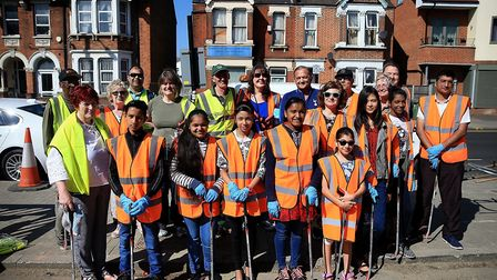 Gary Mabbutt joined litter pickers in Wembley (Pic:Tottenham Hotspur FC via Getty Images)