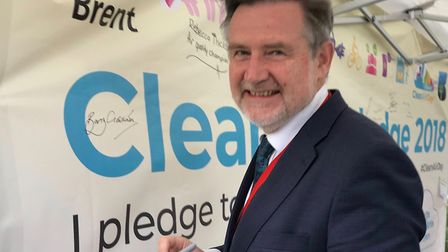 MP Barry Gardiner signs pledge during Brent's Clean Air Day