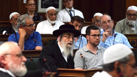 Rabbi Asher Gratt of the Adath Yisroel Burial Society at the meeting. Picture: Polly Hancock