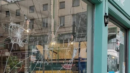 Smashed window at Maison de la Vie in Kilburn High Road (Picture: @NW6GoodBadUgly)