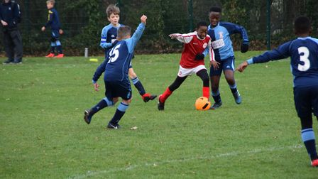 Jeremy Antwi on the ball against Hackney (Pic: Sonia Martinez-Roura)
