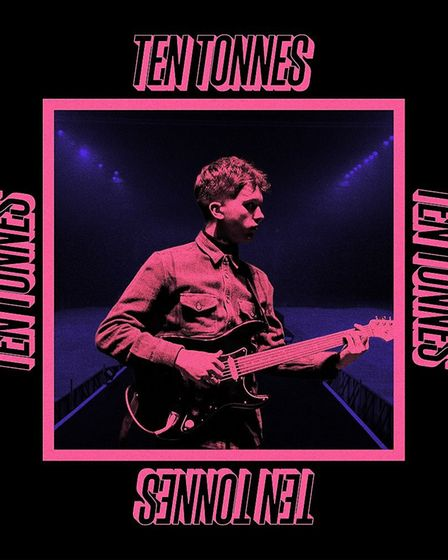 The cover for Ten Tonnes' first album.