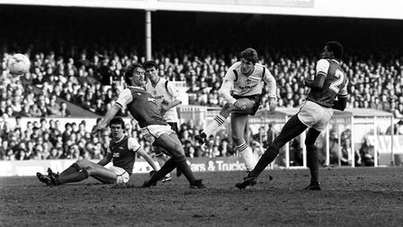 Arsenal v Manchester United in their Canon League, Division One game at Highbury as Norman Whiteside
