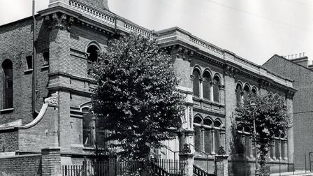 How the synagogue looked in 1950