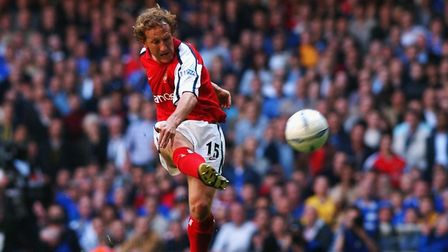 4 May 2002: Ray Parlour of Arsenal scores the opening goal of the match with a superb long range ef
