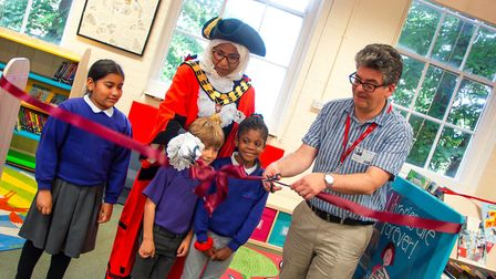 Author David Solomons joined the new Mayor of Islington in cutting the ribbon to officially launch H